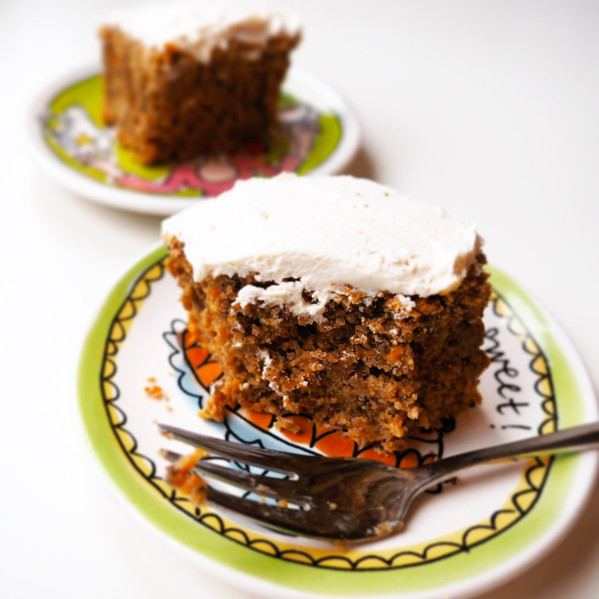 Healthy vegan carrot cake with cream cheese