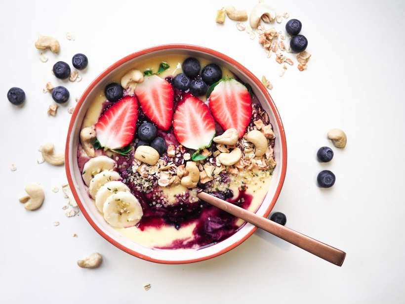 Healthy Tropical Smoothie Bowl