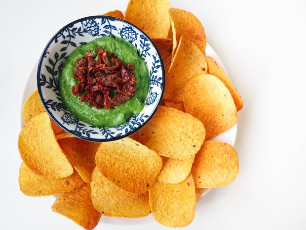 SkinFood Sunday Spinach - Spinach Avocado Dip with Sun-dried Tomatoes and Nachos