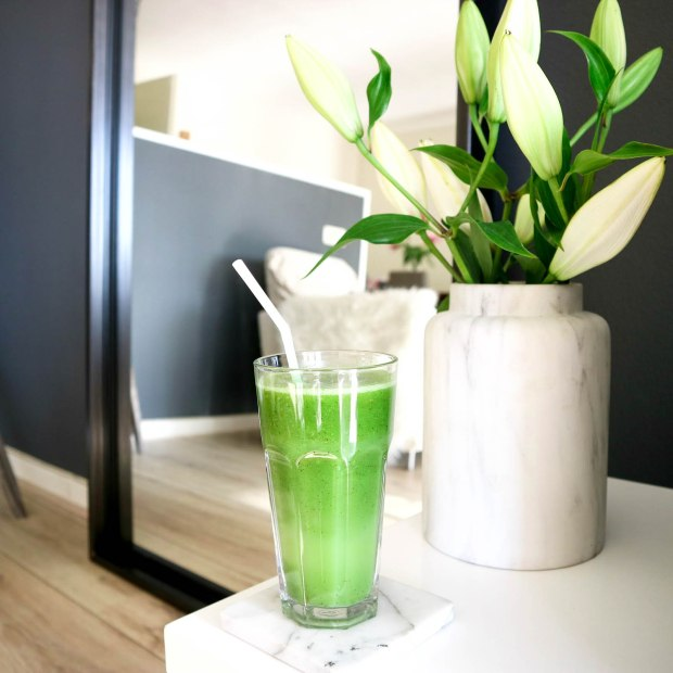SkinFood Sunday Spinach - Healthy Glowing Skin Juice with Flower