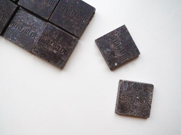 SkinFood Sunday - Dark Chocolate Bar